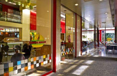 Comfort Food Restaurant Porto Tropical Burger