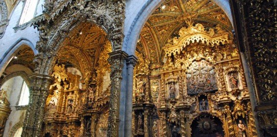 Gothic and baroque church in porto st francis church for Baroque style church