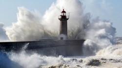Porto weather at Foz lighthouse